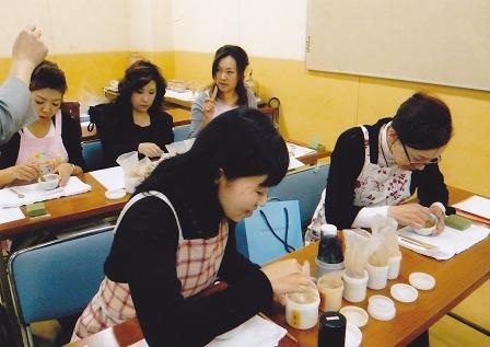 練り香作り教室(九谷青年部)