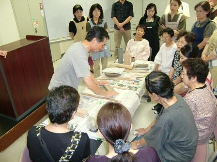 登録会員とともに陶芸体験講習会